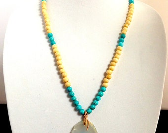 Cream and Turquoise Beaded Necklace