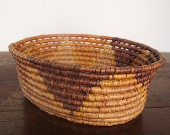 VINTAGE BASKET // Vintage Thick Woven Basket