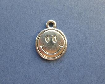 10 Smiley Face Charms - Smiley Face Pendants - Smiley Face - Smile Face - Antique Silver -13mm x 16mm. --(No.5-10781)