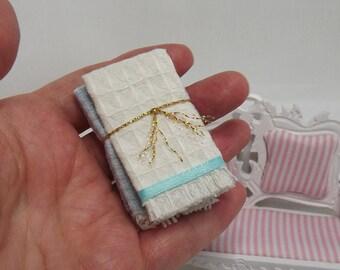 Miniature Dollhouse Blanket Set. Dollhouse Quilt Set. Dollhouse Bedding Accessories. Dollhouse Bedroom Accessories. Dollhouse Clothes