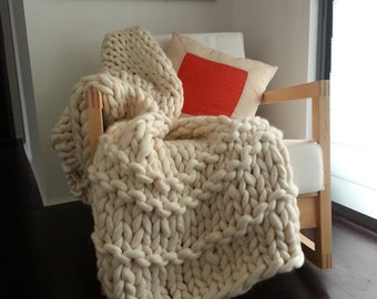 Hand Knitted Super Chunky  Blanket. Australian Made Merino Wool Medium Size.110 x 180cm, 44 x 71 inches. Natural Cream Yarn. Bedroom styling