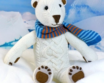 Polar Bear ILUQ knitting pattern