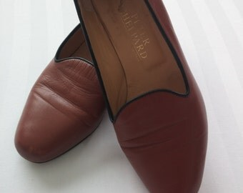 Vintage women's tan leather loafers / 1970s / vintage shoes