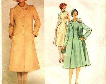 Vogue 1356 MOLYNEUX PARIS ORIGINAL Size 12 Bust 34 Coat & Dress Vintage 1970s Uncut