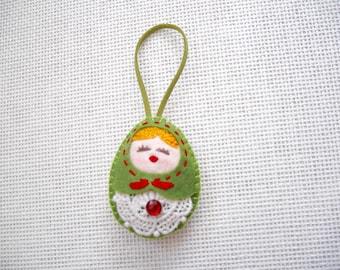 Felt Green Russian Doll (Medium), Felt Matryoshka, Felt Christmas Ornament, Felt Keychain, Felt Toy, Christmas Gift, Christmas Decoration