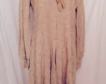 Vintage 1960s Gold Crepe Dress with Gold Metallic Embroidery SZ 10 12