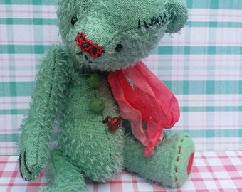 PDF E-pattern Peppermint Twist a 7 inch bear by Cat Maessen