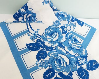 1940s Tablecloth with Blue Roses by Queen Anne De Luxe, Unused Original Paper Tag, Indian Head Cloth