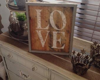 Love, Love sign, Wood sign, Sign, Wedding sign, Wooden sign, Pallet sign, Cottage decor, Cottage chic, Farmhouse decor, Framed art,