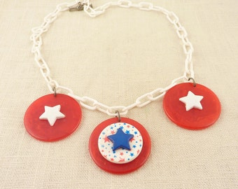 Fun Vintage 1960s White Plastic Link Necklace with Large Round Red White and Blue Star Charms