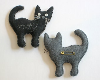 NEW! CUSTOM EcoFELT Cat Pin with Hand Stitched Name—Ornament, Nursery, Soft Sculpture stuffed with Organic Cotton—Vegan [Broche Chat / Gato]
