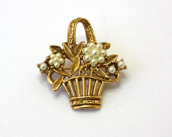 Vintage 60s Flower Basket Brooch Gold Filigree Basket w Faux Pearl Flowers