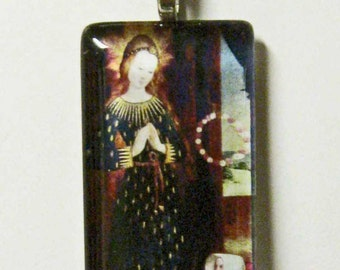 The Virgin Mary with Headdress pendant with chain - GP01-631