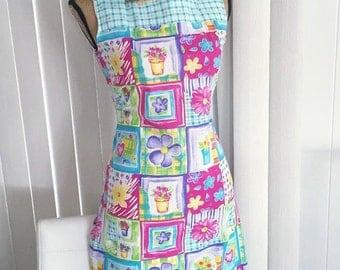Sale Adorable Vintage Sun Dress -- Size S-M -- Retro