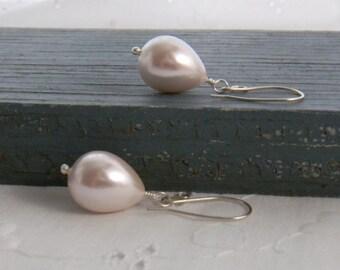 Simple Pink Pearl Earrings Teardrop Earrings June Birthstone Drop Earrings Sterling Silver Dangle Earrings Pastel Spring Shell Pearls