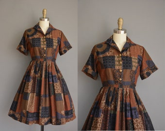 vintage 1950s dress/50s dress/ 50s cotton print full skirt dress
