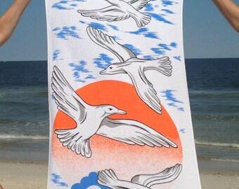 SEAGULLS! vintage 70s beach towel - cotton terrycloth, bath towel, beach house, lake cabin, SUMMER VACATION - water birds + waves + sunshine