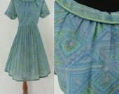 SALE Vintage Fifties Dress - 1950s Fit and Flare Dress - 50s Print Dress - Full Skirt Dress - Short Sleeve Dress - Large