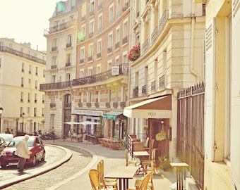 Streets of Paris X, Montmartre