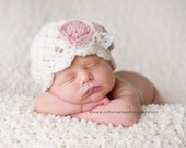 NEWBORN Girl Hat, Baby Girl Hat, Baby Girl Flapper Beanie, Girl Hat, Cream Hat, Rose Pink Bow, Lace. Photo Props. Baby Shower Gift. Kids.