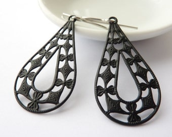Black Filigree Drop Earrings, Black Lace Earrings, Filigree Earrings, Lacy Earrings, Filigree Hypoallergenic, UK Earrings