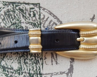Vintage CARLISLE - Italian Calfskin ~ Made in the USA ~ Eurometal Buckle Belt Made in ITALY ~Med