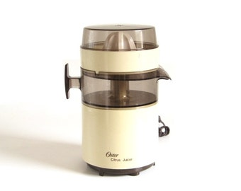 Oster Citrus Juicer 4100 06A Beige Brown 1980s Small Kitchen Appliances Electric Juice Extractor