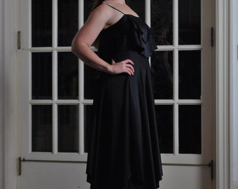 Disco Diva Darling 1970s Vintage Full Sweep Skirt Ruffled Bodice Spaghetti Straps Onyx Black Disco Dress Sz Medium