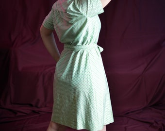 Reck My Tangle 1960s Vintage Baronette Kelly Green Mod Rectangle Print Button Down Shirt Shift Day Dress Sz Medium