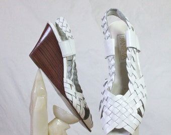 Vintage Woven White Leather Wedge Sandals Sz 7.5