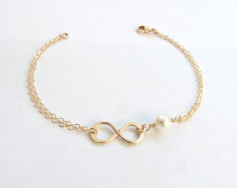 Gold Infinity Bracelet, Mother of the Bride Bracelet,Pearl Bracelet Bridesmaid Gift Gold  Bridesmaid Gift Romantic Wedding Gift