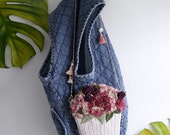 Rosie Flower Vase - dark red floral shoulder bag