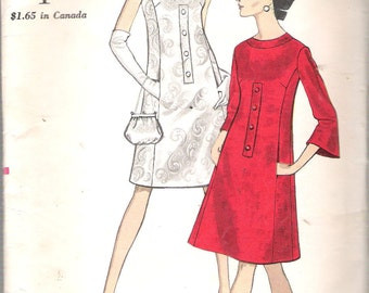 "Vintage 1967 Vogue 7136 One Piece Dress with Front Seam Pockets Sewing Pattern Size 10 Bust 31"" UNCUT"