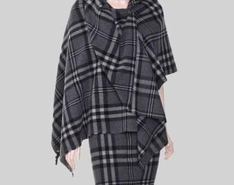 SALE! woman poncho, check poncho, woman cape, Italian wool poncho, fabric poncho, gray poncho, gray cape, trending items, black poncho