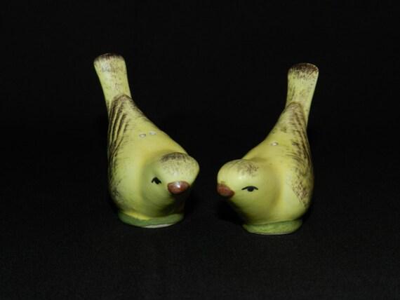 Bird Salt Pepper Shakers Yellow Bird Salt And Pepper