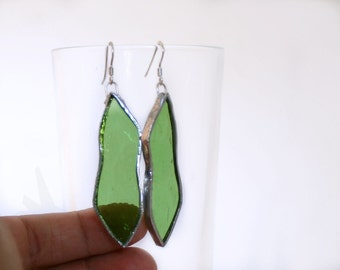 Transparent green glass long earrings with sterling silver 925 in Tiffany tecnique