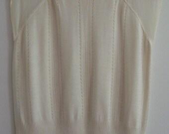 WilliSmith White Top, Size 8-10*