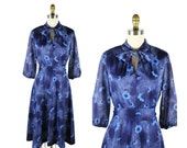 1970s Floral Dress in Navy Daisies / 70s Vintage Pussybow Dress with Glitter Sleeves
