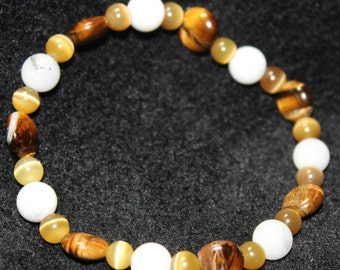 Cat's Eye & White, Glass-Beaded, Stretchy Bracelet
