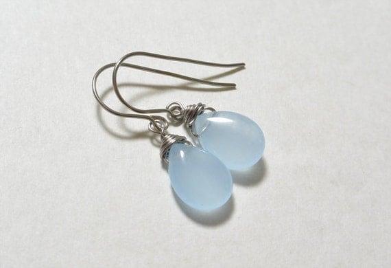 Items similar to Dyed quartzite Titanium earring, Allergy ...