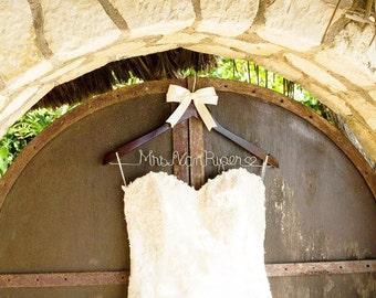 Wedding dress hanger, wedding hanger,  bridal hanger, Bride hanger, ridal shower gift, mrs wedding hanger, gown hanger, personalized hanger