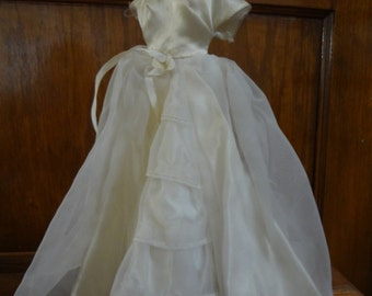 Barbie #947 Brides Dream; gown, veil and gloves