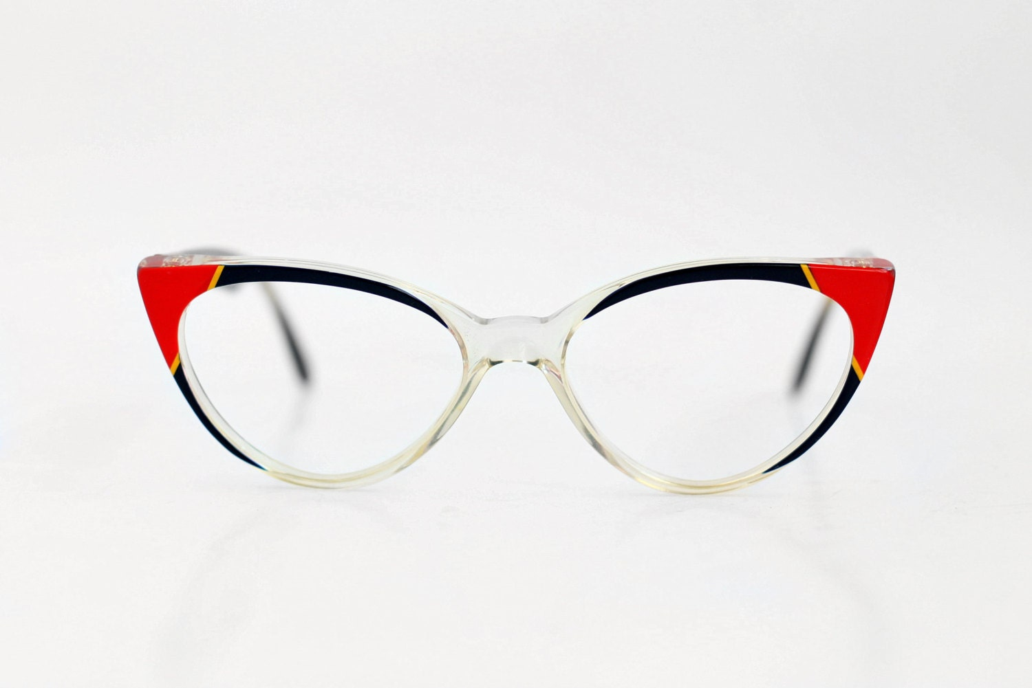 Your one-stop shop for the hottest glasses frames online Coastal makes finding glasses to suit both your vision needs and personal style a breeze.