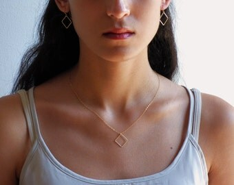 Set of Gold Square Jewellery  - Square Necklace & Square Earrings ,Gold square Necklace, Set of Square, Gold Square Earrings.