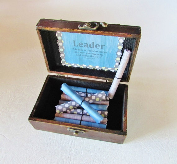 Leadership Scroll Box, Leadership Quotes in Wood Box, Motivational Quote, Leadership Gift, Boss Day, Boss Gift, Best Boss, Boss Card, Boss
