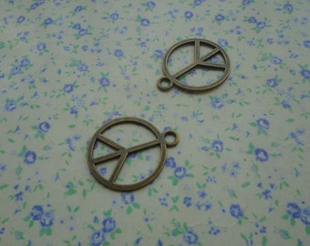 20 pcs of antique bronze color peace symbol pendant charm , 24*20mm , MP4