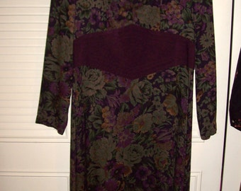 Vintage Tapestry/Brocade/Paisley MAXI Fall Dress.  Size 12 - 14 Looking at autumn-see details