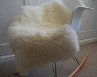 Ivory Sheepskin Rug Luxuriously soft and Curly