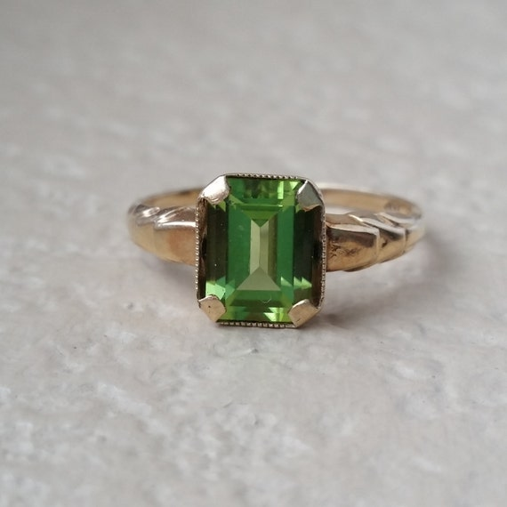 vintage deco peridot emerald cut estate ring 10k gold size