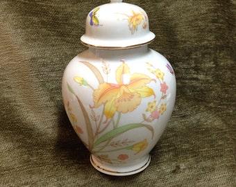 Vintage Ginger Jar, Shaddy Mino Ginger Jar, JGI Japan Jar, Daffodils, Butterflies